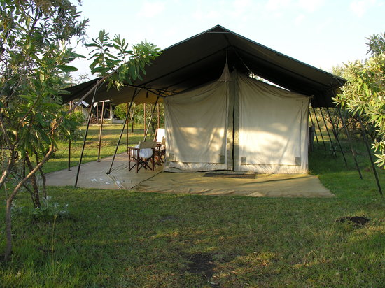 Mara Siria Camp: Our tent (luxury as standard!)
