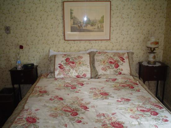 The Ogunquit Inn: bedroom