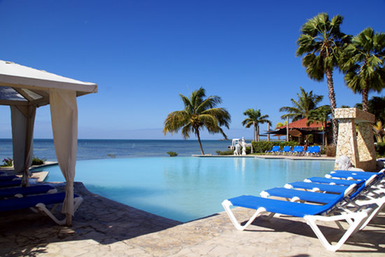 Cabo Rojo, Puerto Rico: Relax by the larger of 2 pools