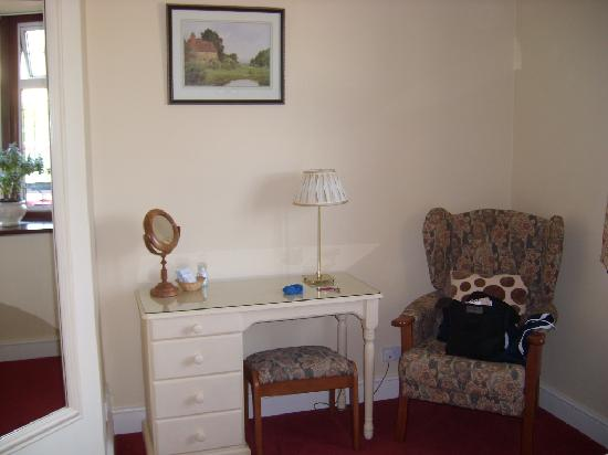 The Laurels Guest House: Bedroom PHoto 2