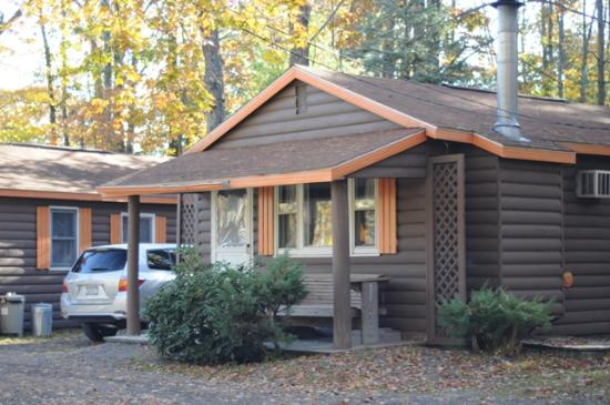 Alvin 39 S Log Cabins Henryville Pa Campground Reviews