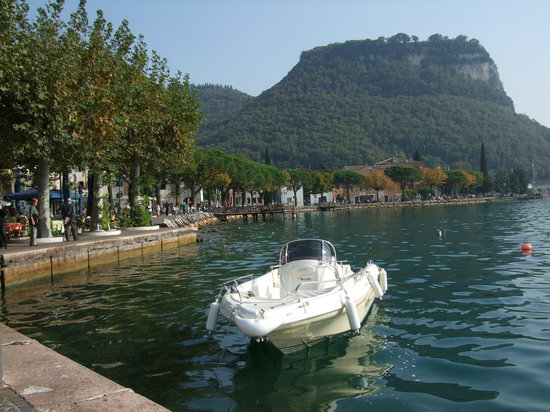 Lake front, Garda
