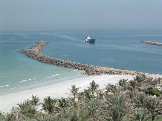 Ajman, United Arab Emirates: watch the harbour entrance