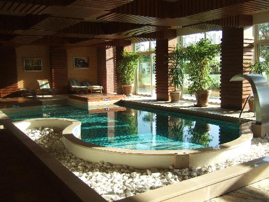 Bogazkent photos featured images of bogazkent belek for Piscine coque avec jacuzzi