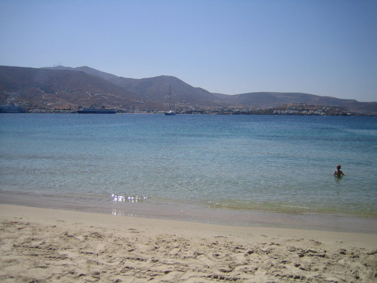Parikia, Grecia: The beach (5 minutes walking from the hotel)