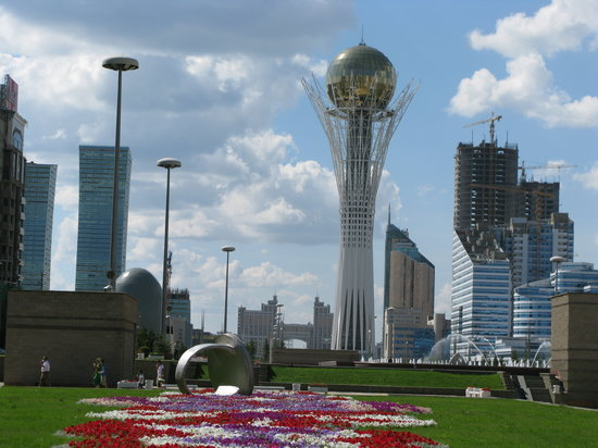 http://media-cdn.tripadvisor.com/media/photo-s/01/1c/f0/c6/baiterek-tower-astana.jpg