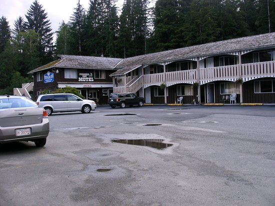 Pioneer Inn
