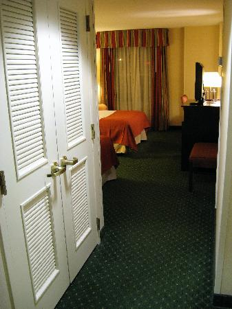 Holiday Inn Chantilly - Dulles Expo: Room