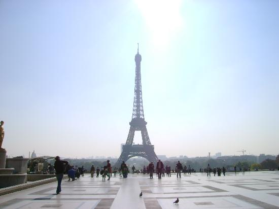 Eiffel Tower View From Trocadero Metro Station Picture