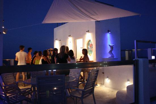 Casa Sirena: Roof terrace in happy hour