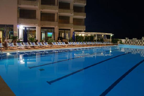 Piscina 25 X 12 Mt Picture Of Imperial Sport Hotel