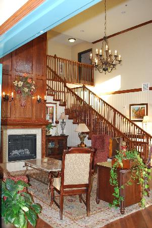 Country Inn &amp; Suites: The beautiful lobby