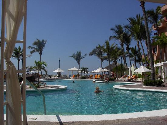 Sinaloa, Mexico: Quiet days by the pool
