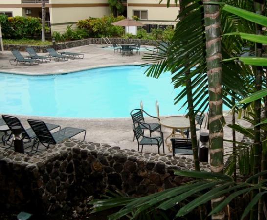WorldMark, Kona: Pool gardens from condo