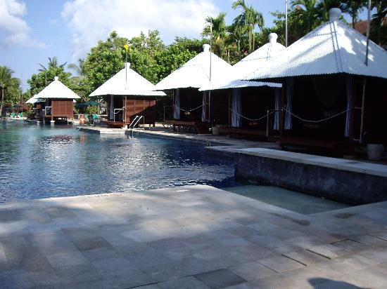 hard rock hotel bali: hire a cabana or you wont get a seat