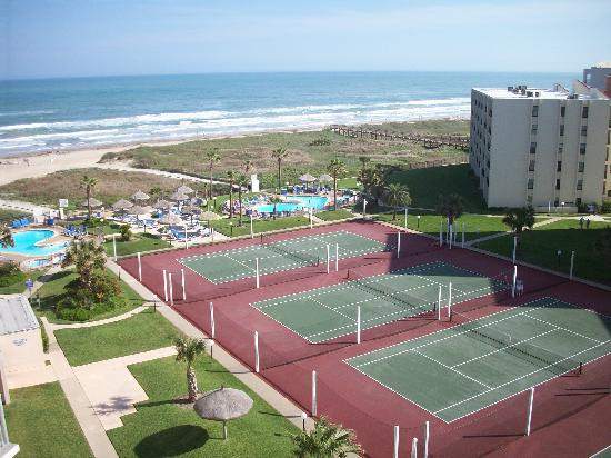 Royale Beach and Tennis Club: Lots to do!!!