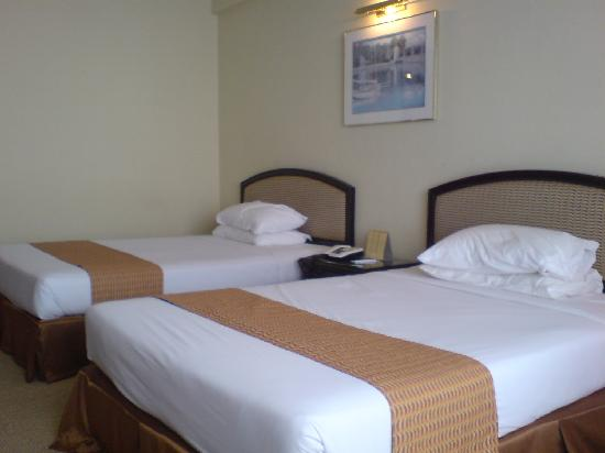 Genting Grand: 2 Double Beds (not queen)