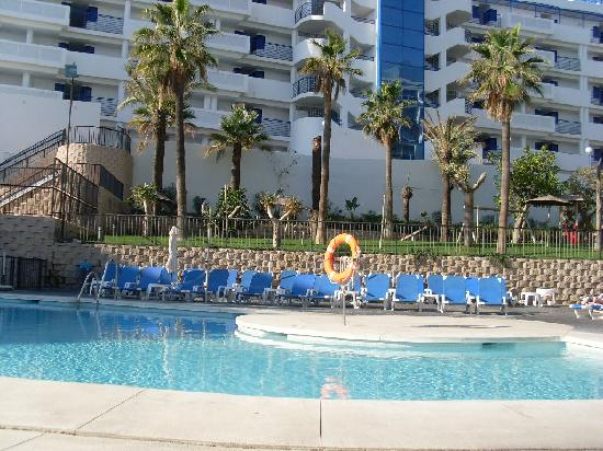 Biggest pool area picture of hotel los patos park benalmadena tripadvisor for D hotel drogheda swimming pool