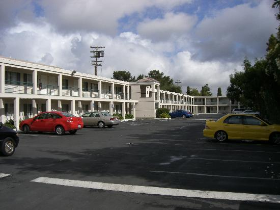 Comfort Inn Palo Alto: a view of the parking lot