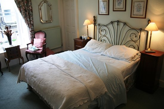 Brocks Guest House: Bed room