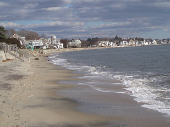 Westbrook, CT: close to the beach