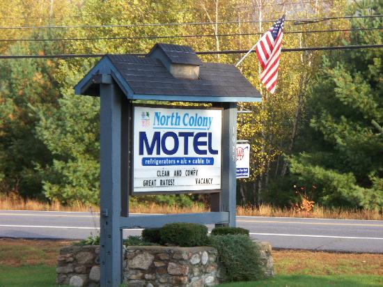 North Colony Motel: Motel sign