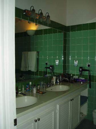Bathroom at East Winds Inn, Gros Islet