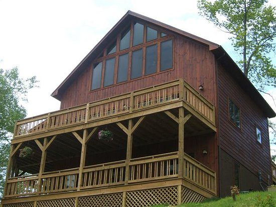Photo of The Raven - Watauga Lake Cabins Butler