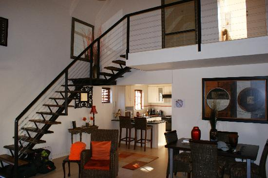 Kruger House Guest Cottages: Downstairs - Rose Cottage