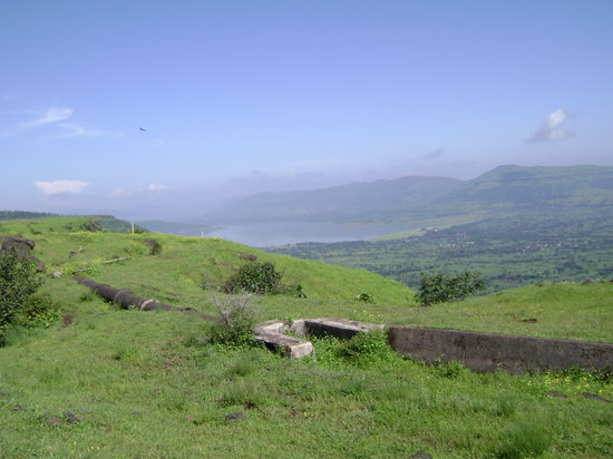 Maharashtra, India: En route to from Satara