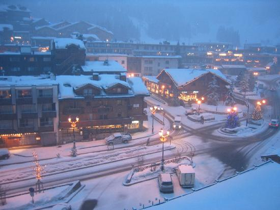 Courchevel, Frankreich: Balcony view