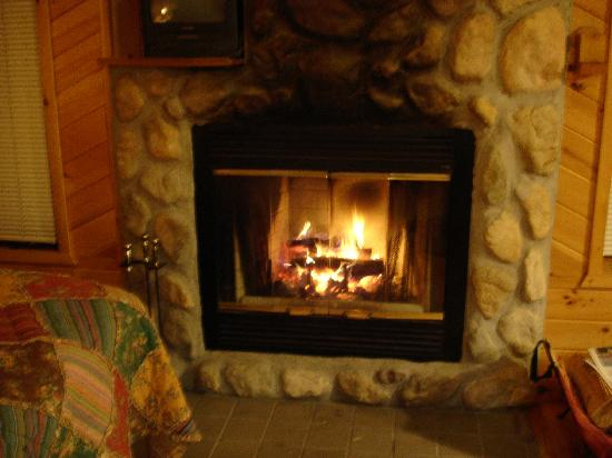 Castlehaven cabins thumbnail picture of castlehaven for Cabin fireplace pictures
