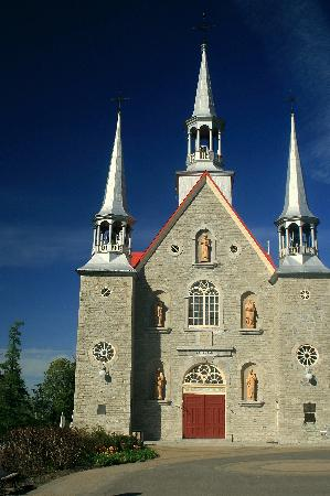 church at sainte famille 1749 picture of ile d 39 orleans quebec tripadvisor. Black Bedroom Furniture Sets. Home Design Ideas