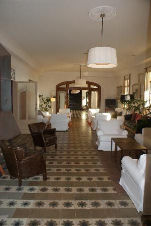 Hostal Empuries : El hall del hostal