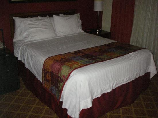 Residence Inn Rocky Mount: Bed