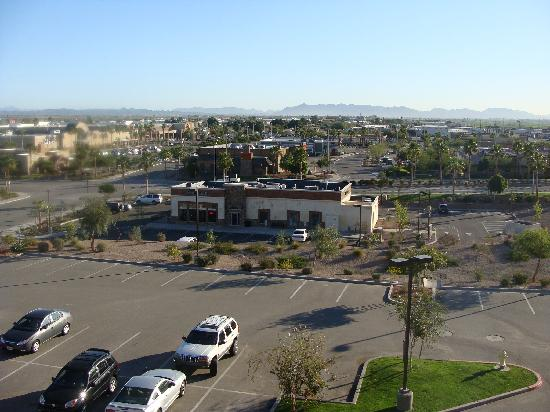 Hampton Inn & Suites Yuma: Looking out the window
