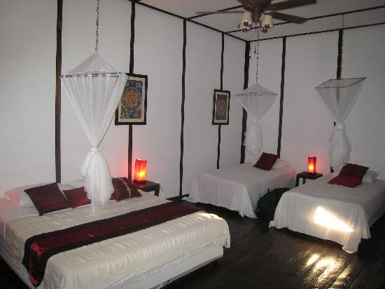 Mango Guesthouse + Villas: Bedroom