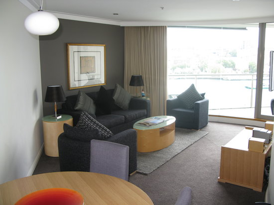 Pullman Quay Grand Sydney Harbour: This is the living room