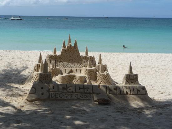 Crown Regency Prince Resort Boracay: Boracay sandcastles