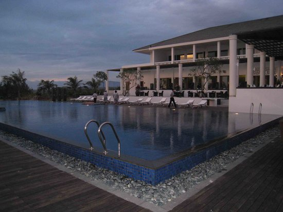 Princess d'Annam Resort & Spa: Pool Side