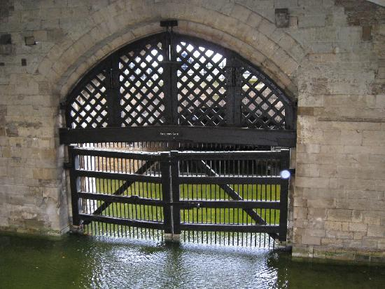 Traitors Gate Picture Of Tower Of London London