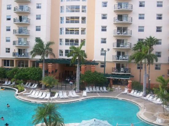 Wyndham Palm-Aire: Pool and recreation area