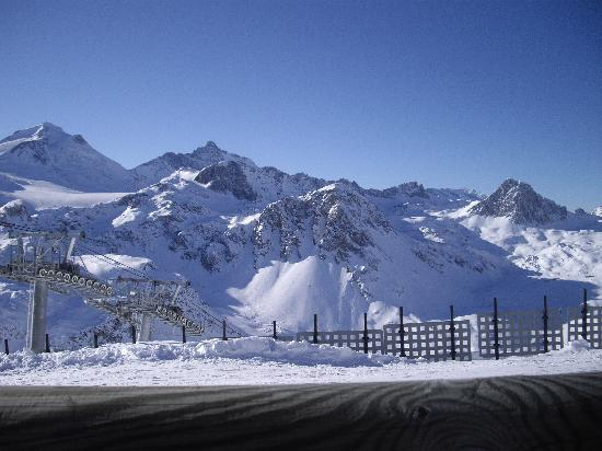 Tignes, Francia: View of mountains