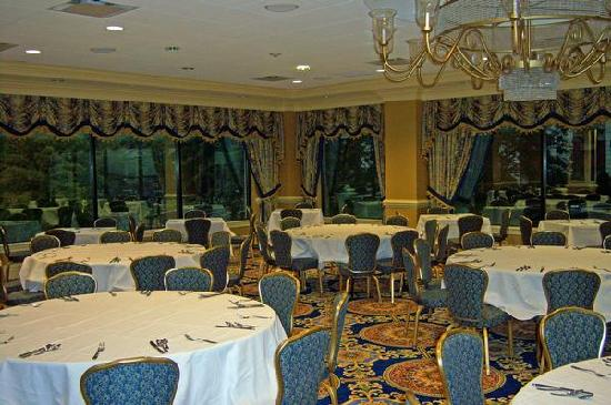 Villa Roma Resort and Conference Center: Main Dining Room