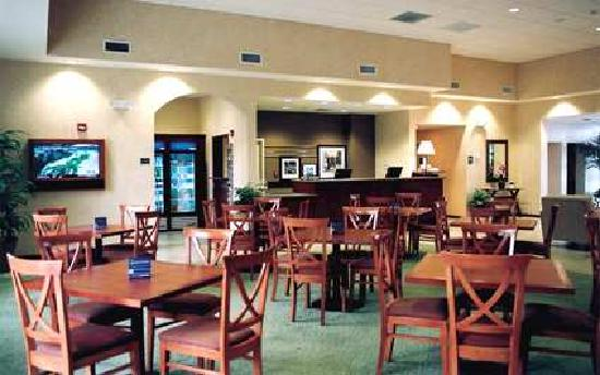 Hampton Inn & Suites Phoenix Airport South: Comfort of Lobby