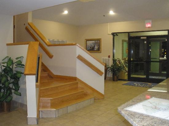 Sleep Inn: stairways lobby