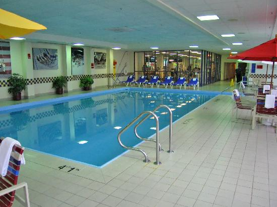 Large Indoor Swiming Pool Picture Of Detroit Marriott Troy Troy Tripadvisor