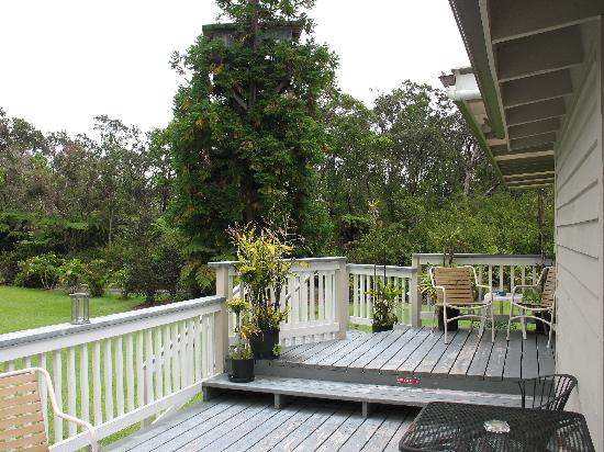 Aloha Junction Bed and Breakfast: Aloha Junction deck