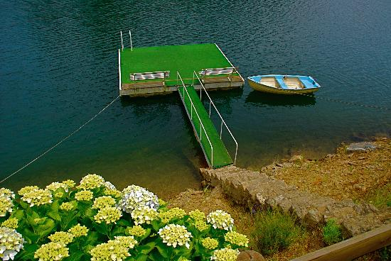 Quinta do Troviscal: Lake, Raft and Boat