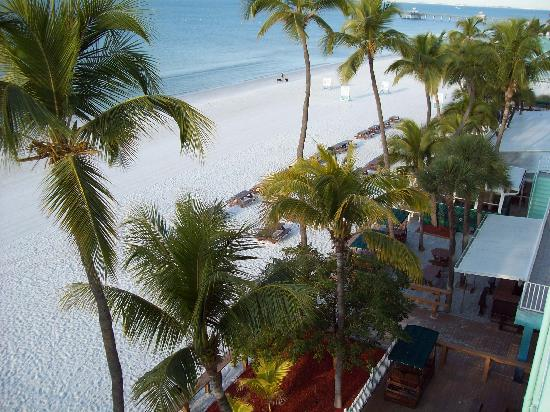 Lani Kai Island Resort Hotel: The view from the balcony of room 405
